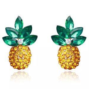 Jewelry - NWT Pineapple Stud Earrings 🍍✨